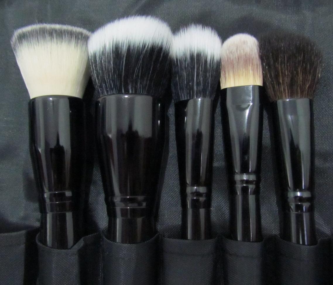 Pincel para maquiagem - Preparação da pele
